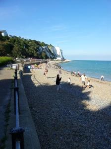 Bettina dover beach